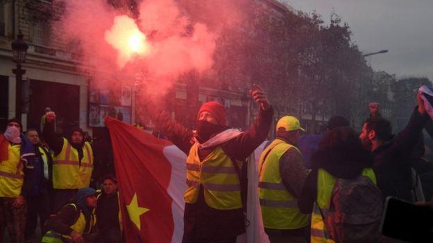 протесты желтые жилеты франция