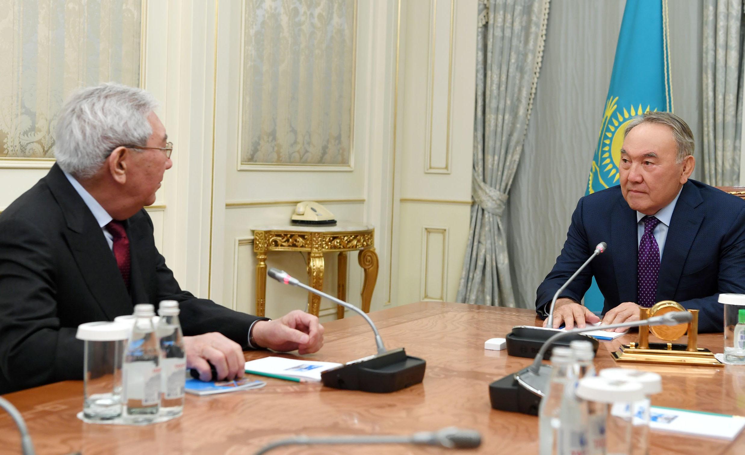 Назарбаев, Жолдасбеков