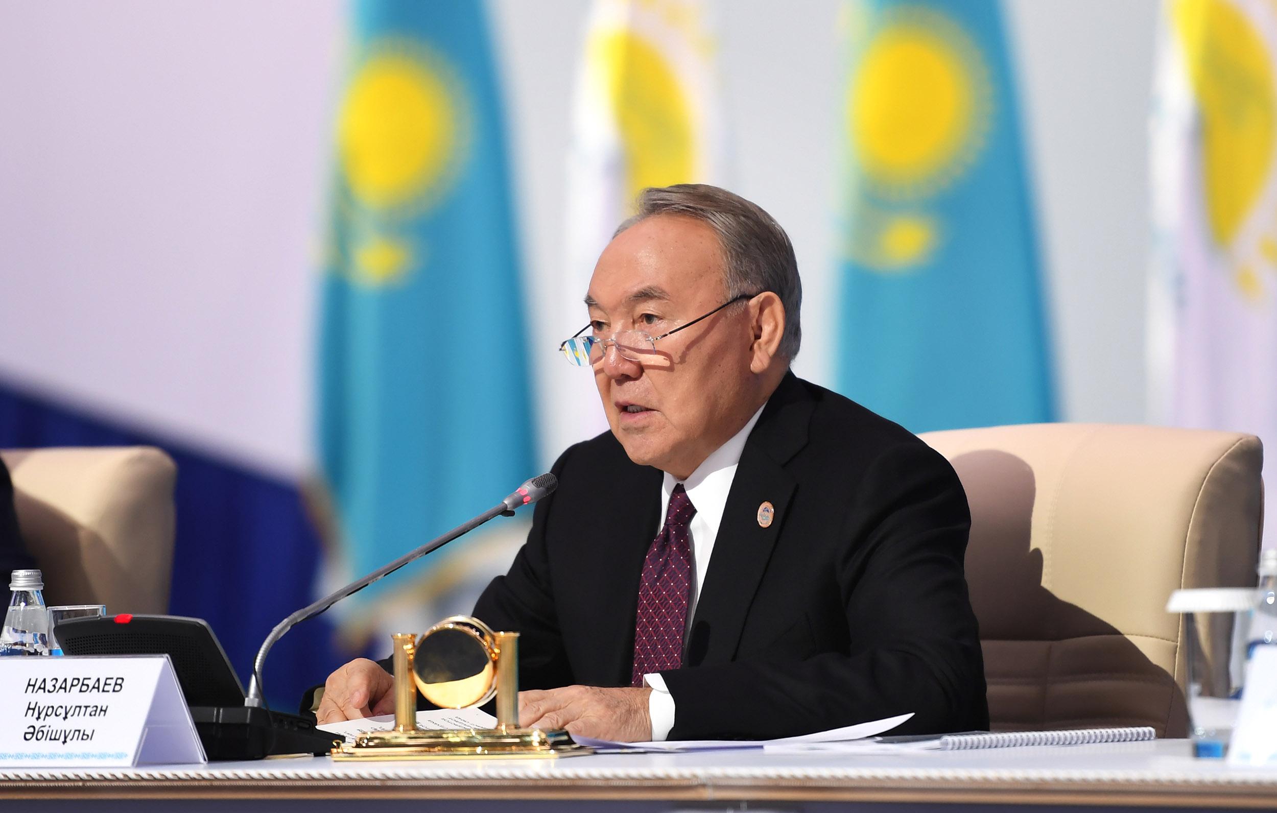 назарбаев нур отан