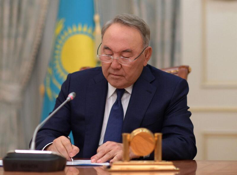 Назарбаев отставка