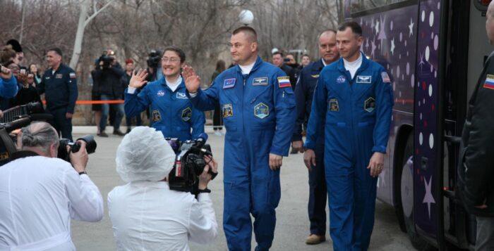космонавты овчинин хейг кук