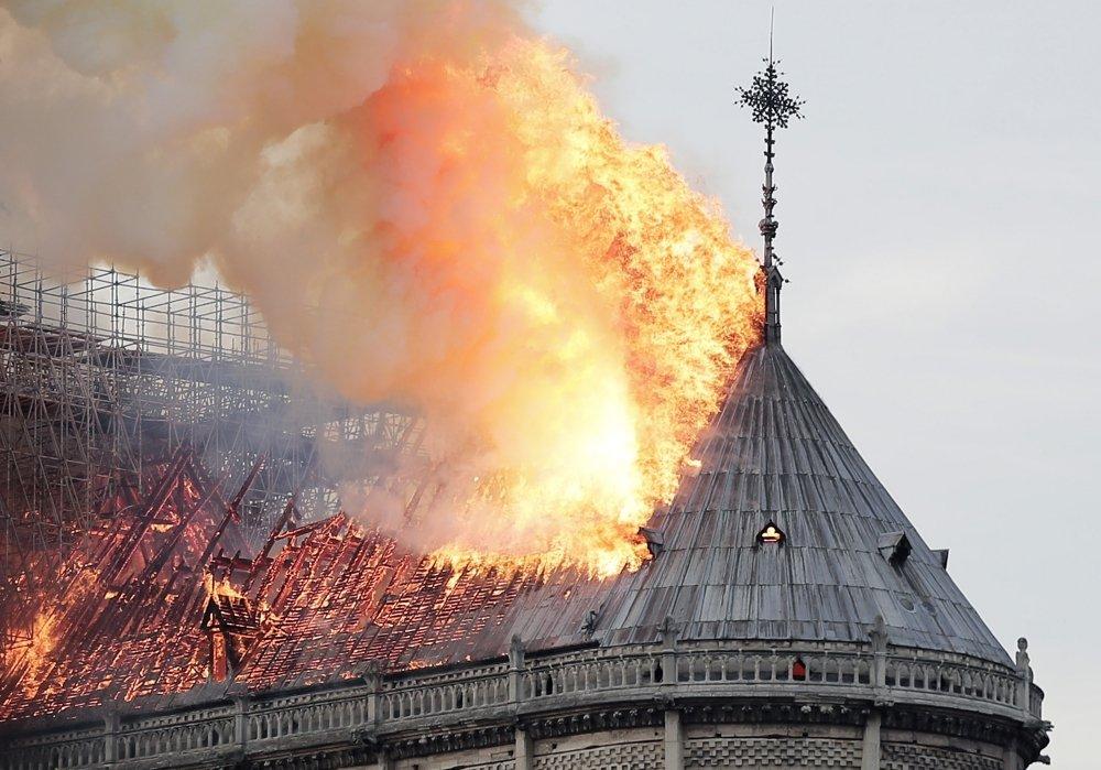 Пожар Нотр-Дам