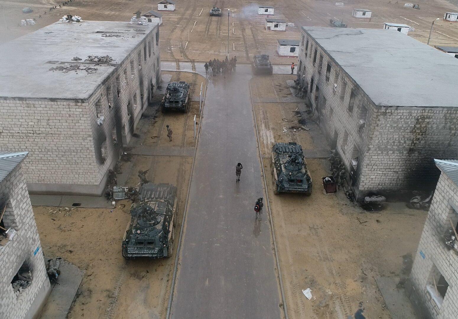 Армия Казахстана, военные