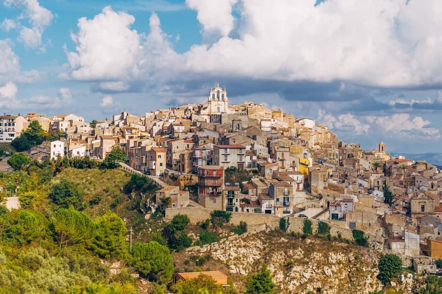 городок муссомели сицилия