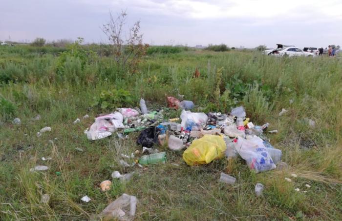 таза казахстан мусор у реки близ нур-султана