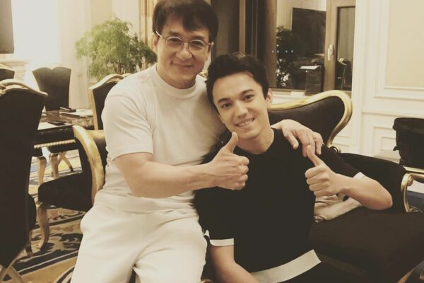 f382ab56169122785f5f52cfc879367d e1563863912310 600x400 - Jackie Chan was showered with gifts family Dimash