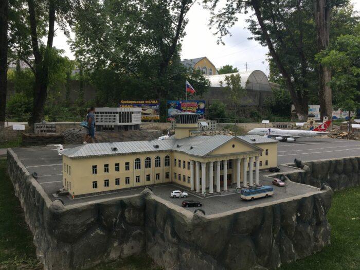 Макет старого здания аэропорта Симферополя