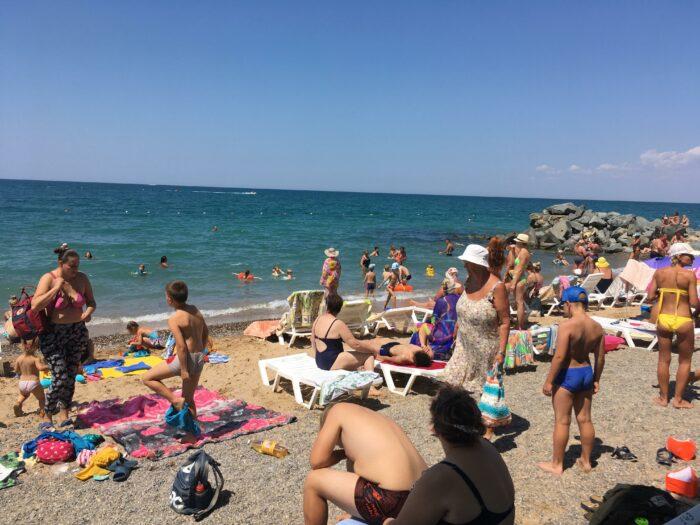 Обычный крымский пляж
