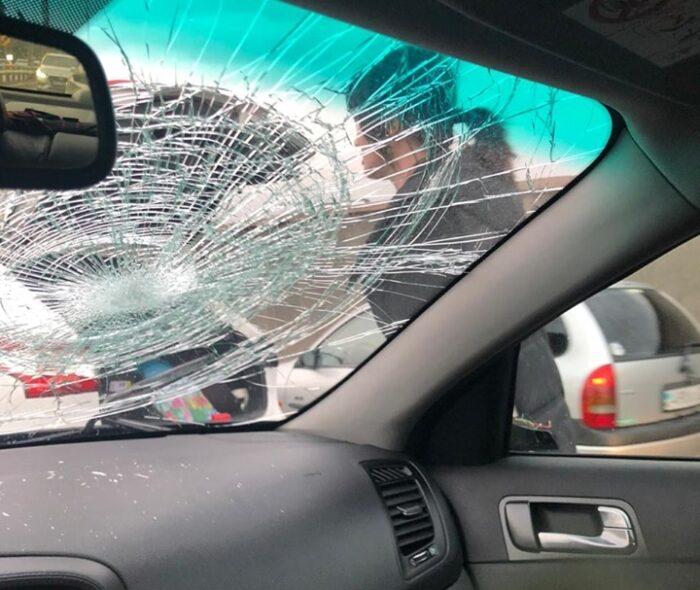 нападение на автомобиль с огнетушителем алматы