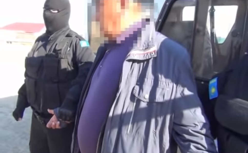 84a81fb8929ea256778b1a9afed39645 - The detention of the head of Shalkar distance path showed in the video