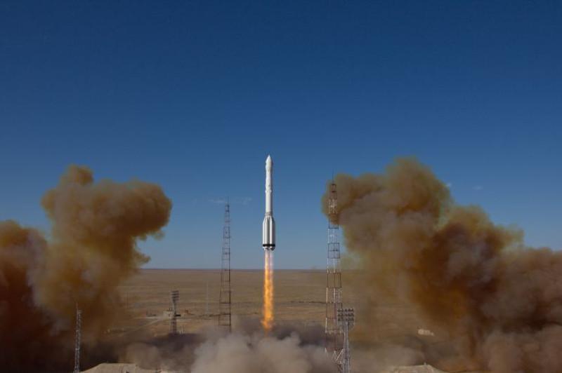 """90ff8f81e9151bb7b2c9c2dbce8d2589 - """"Proton-M"""" was launched from Baikonur"""