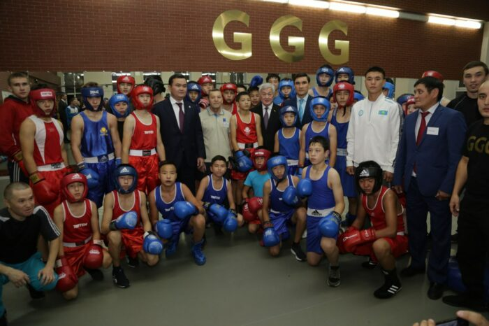 """fe10c1b7e0968079d1579e7e94160f7e 700x466 - Young athletes of Karaganda held a flash mob """"GGG, Alga!"""" in support of Golovkin"""