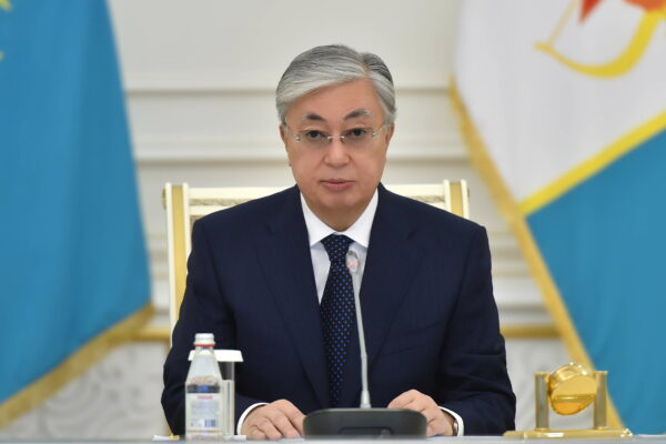 f733191ddb179989fe1922a4634f3980 600x400 - Presents overview of the working week of the President of Kazakhstan