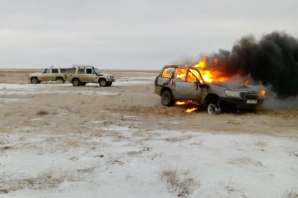3e18e86b30c3fc1867b56032c0b9e2db e1575625748486 600x400 - Poachers burn their SUV to cover up the evidence