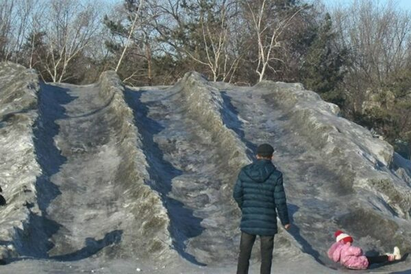 850ebe65208d6730ad8566f83eeecb27 600x400 - Black snow in Temirtau: state environmentalists started checking