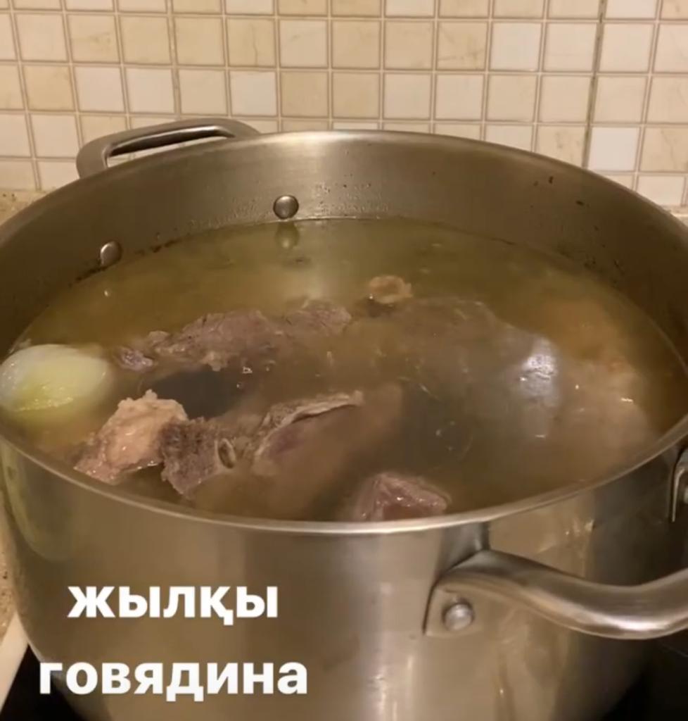 """825e4896ca4808e280ba5624edad7fef - """"Damn insulation!"""" Madina Sadvakasova mired in domestic"""