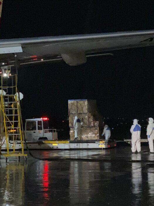 гуманитарная помощь из китая в аэропорту алматы