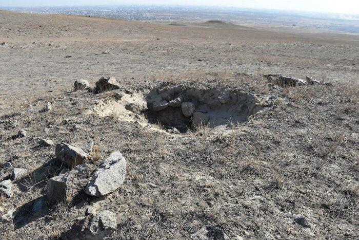 разграбленный могильник талдыкорган
