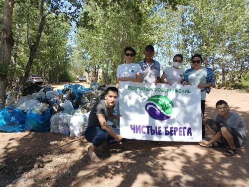 волонтеры убрали мусор на актюбинском водохранилище